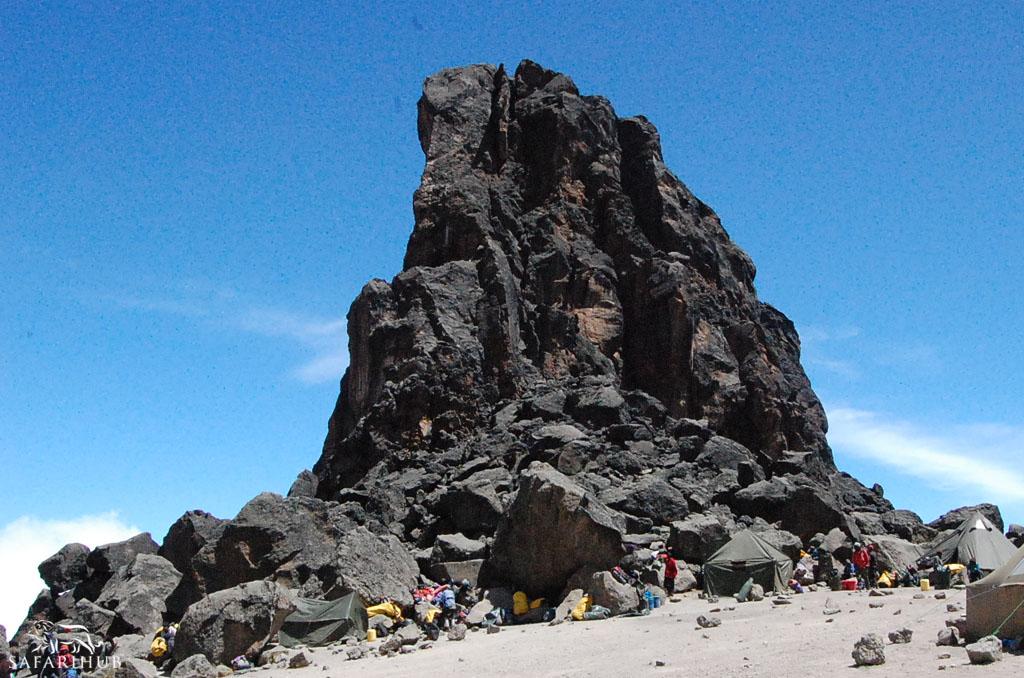 Shira 2 Camp (3,800m/12,500ft) to Barranco Camp (3,850m/12,650ft) via Lava Tower (4,550m/14,900ft)